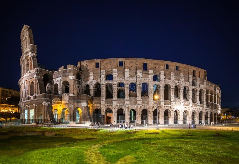 罗马,意大利- 2016年6月6日:夜视图大剧场 库存图片