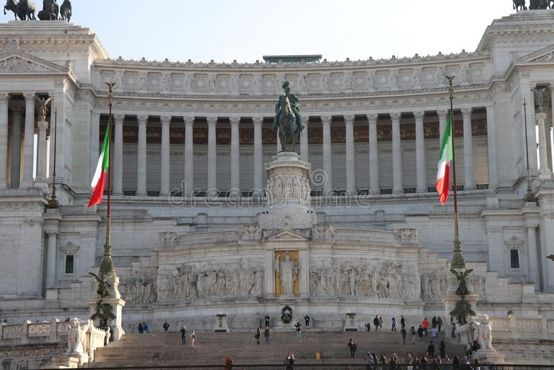 罗马,有阿尔塔雷della帕特里亚纪念碑的意大利-威尼斯广场 库存照片