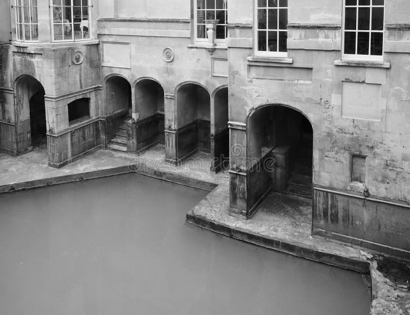 罗马浴在黑白的巴恩 免版税库存图片