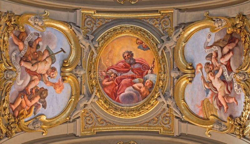 罗马- ceilng壁画永恒的父亲教会基耶萨二的圣玛丽亚Giacinto Calendrucci (1693)在Transpo 库存照片