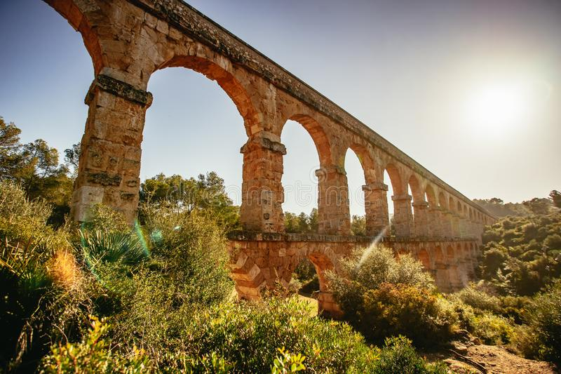 罗马Aqueduct Pont del Diable在塔拉贡纳,西班牙 图库摄影