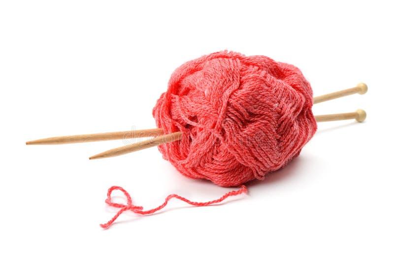羊毛球和编织针 免版税库存图片