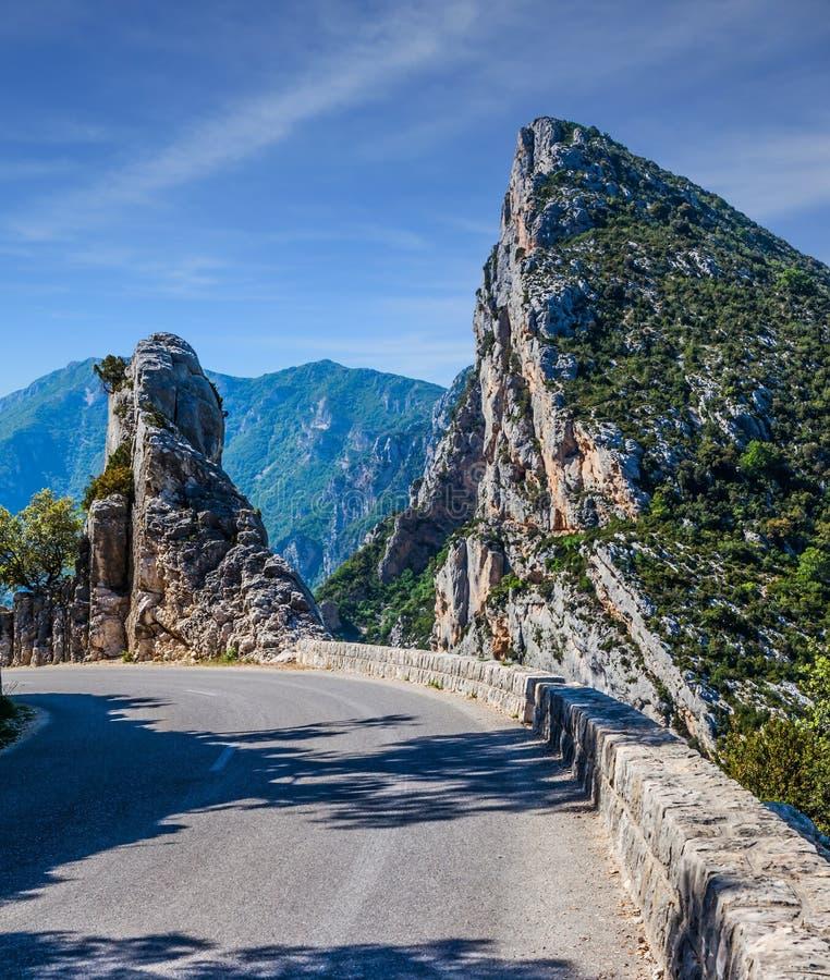 美丽如画和危险山路 免版税库存图片