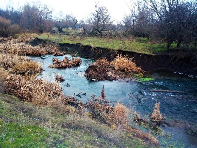 美丽如画的河是非常美丽的 免版税库存照片