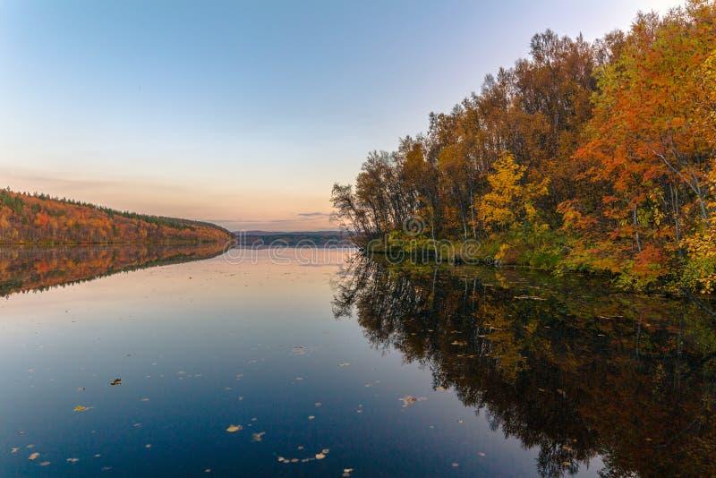 美丽如画的秋天横向 免版税库存图片