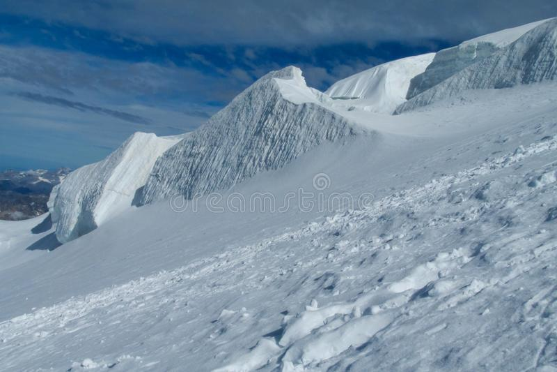 美丽如画的雪山观点向在夏慕尼勃朗峰法国人阿尔卑斯 库存照片