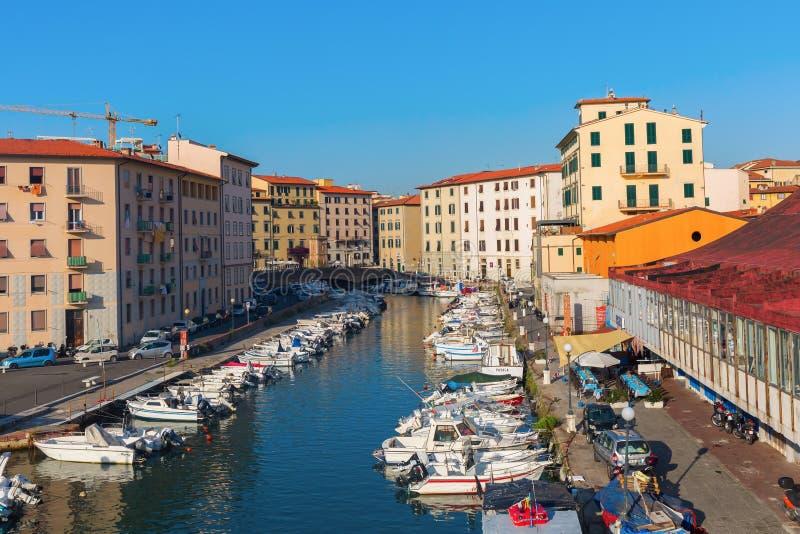 美丽如画的区Venezia Nuova在里窝那,意大利 免版税库存图片