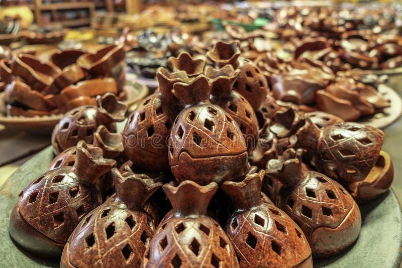 美丽手工制造陶瓷从龙目岛 免版税库存图片
