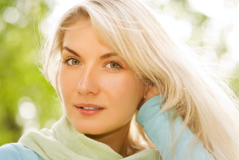 美丽白肤金发浪漫 库存照片