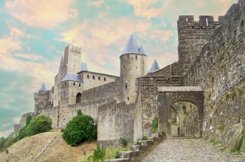 美丽的中世纪村庄卡尔卡松 免版税图库摄影