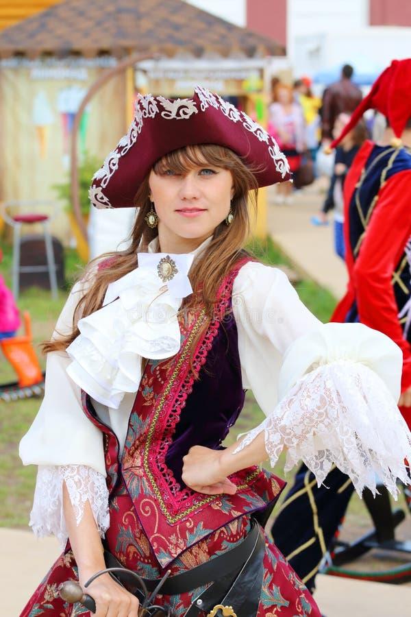 美丽的中世纪礼服的a女孩 库存图片