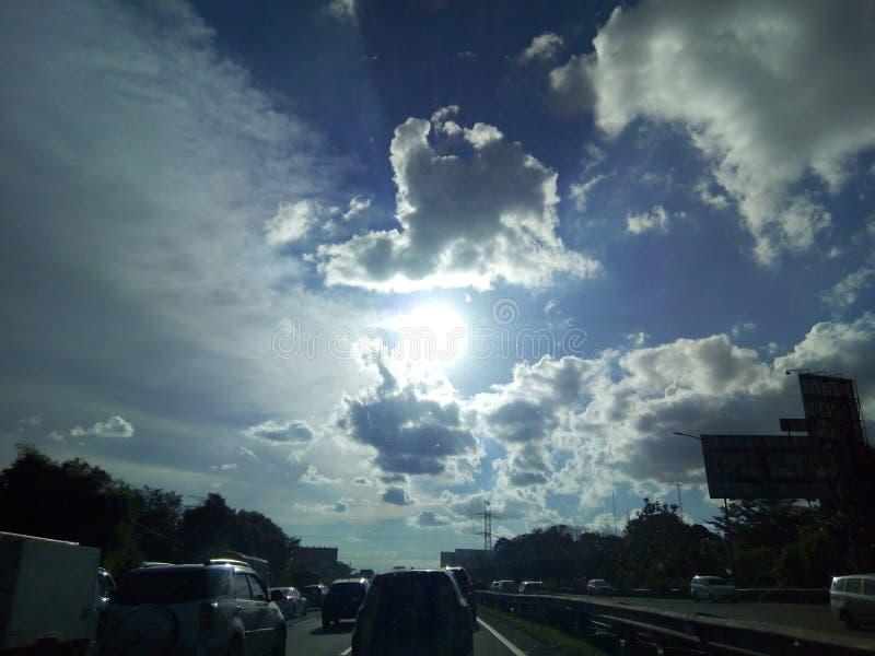 美丽的云彩在晚上 免版税库存图片