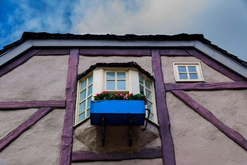 美丽的五颜六色的葡萄酒房子 图库摄影