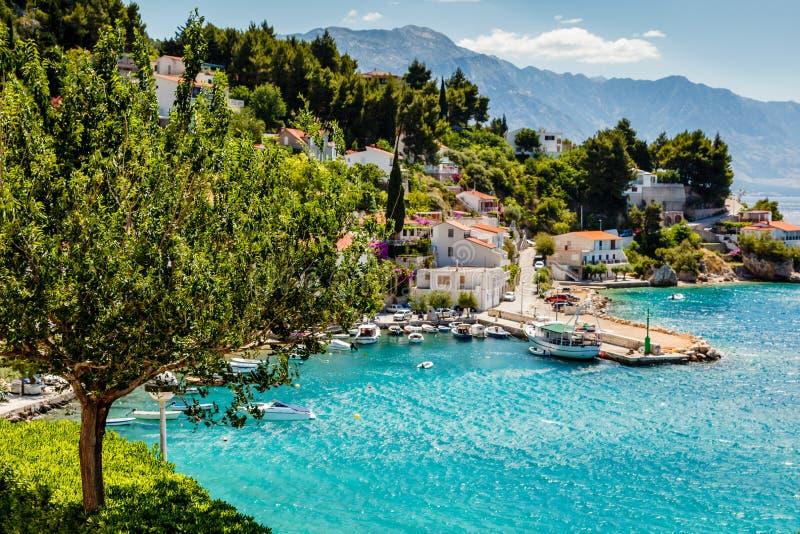 美丽的亚得里亚海的海湾和村庄 图库摄影