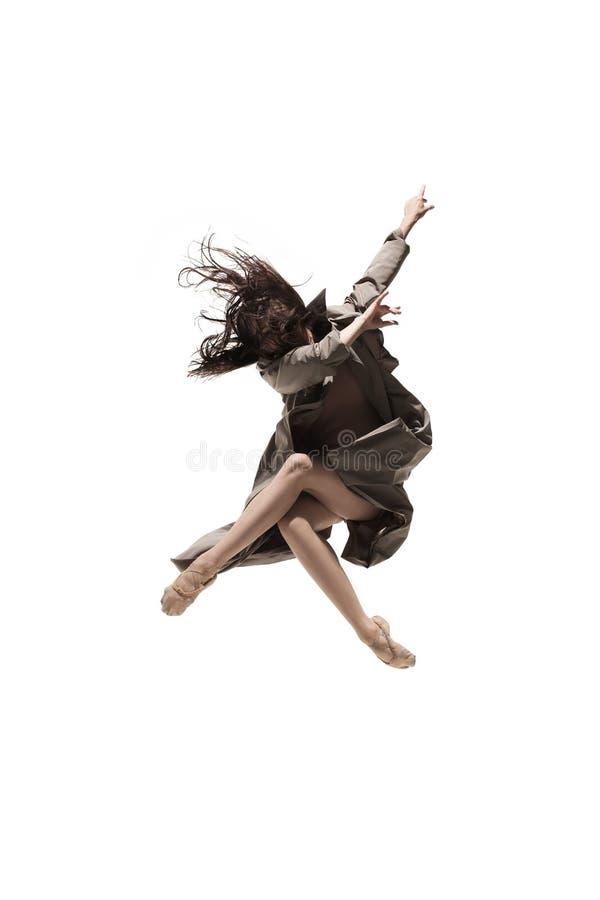 美丽的亭亭玉立的年轻女性现代爵士乐现代风格跳芭蕾舞者 图库摄影
