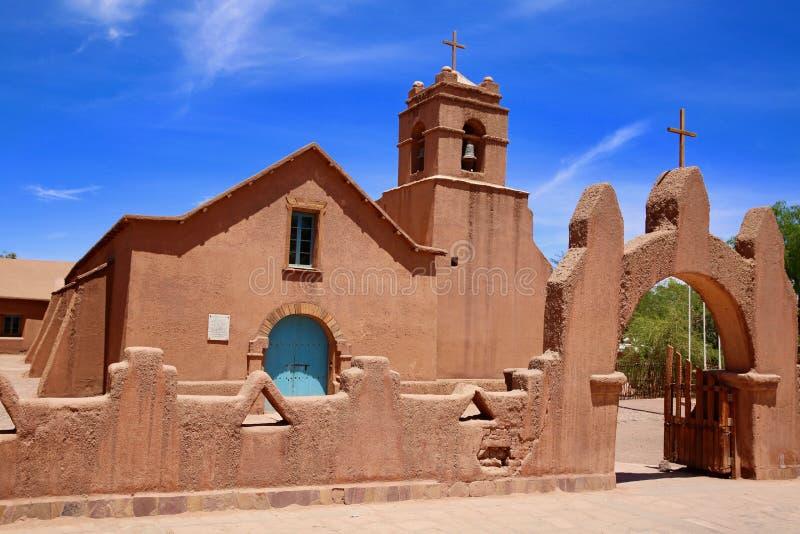 美丽的传统教会在圣佩德罗,智利,阿塔卡马沙漠 库存图片