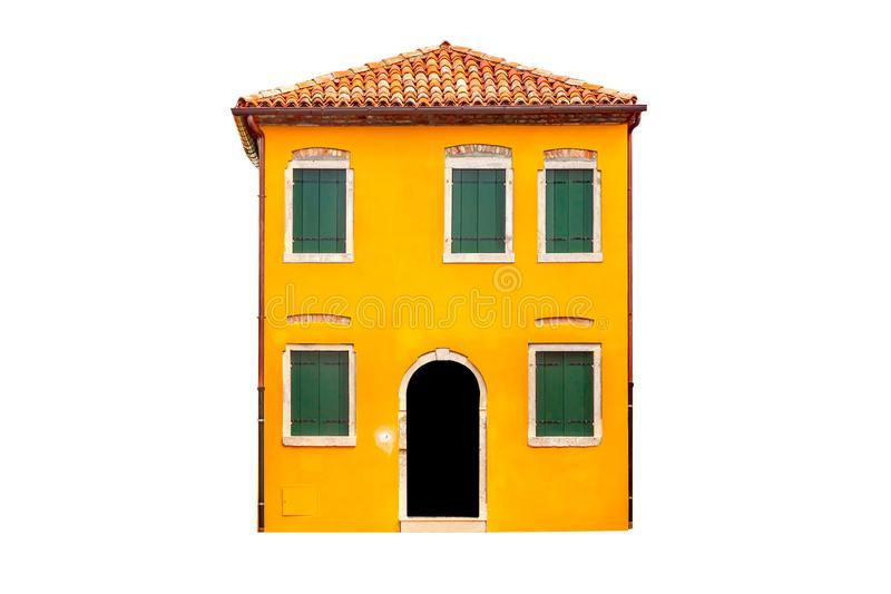 美丽的充满活力的黄色五颜六色的房子在Burano,在威尼斯附近在意大利在白色背景隔绝了 图库摄影