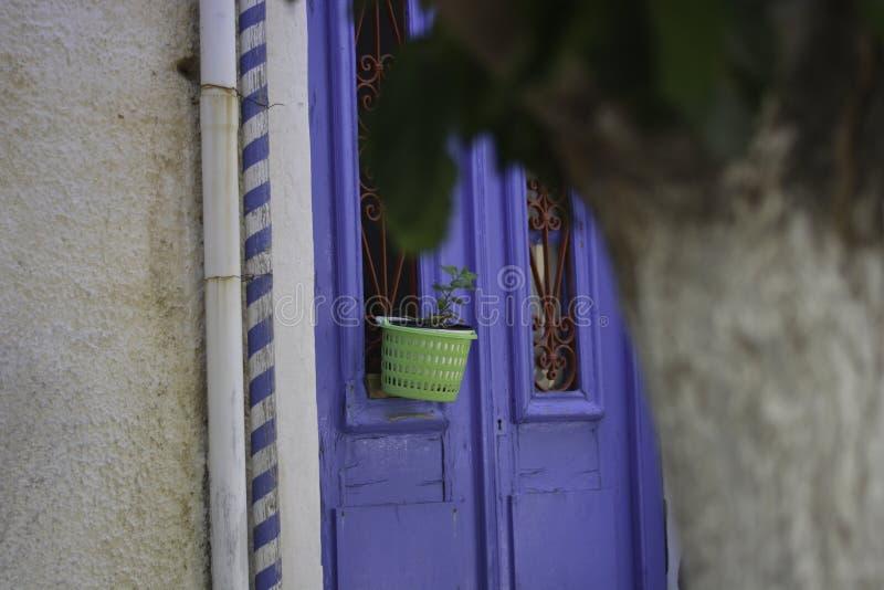 美丽的克利特的典型的颜色希腊的爱琴岛的 库存照片