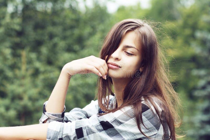 美丽的十几岁的女孩 免版税库存照片