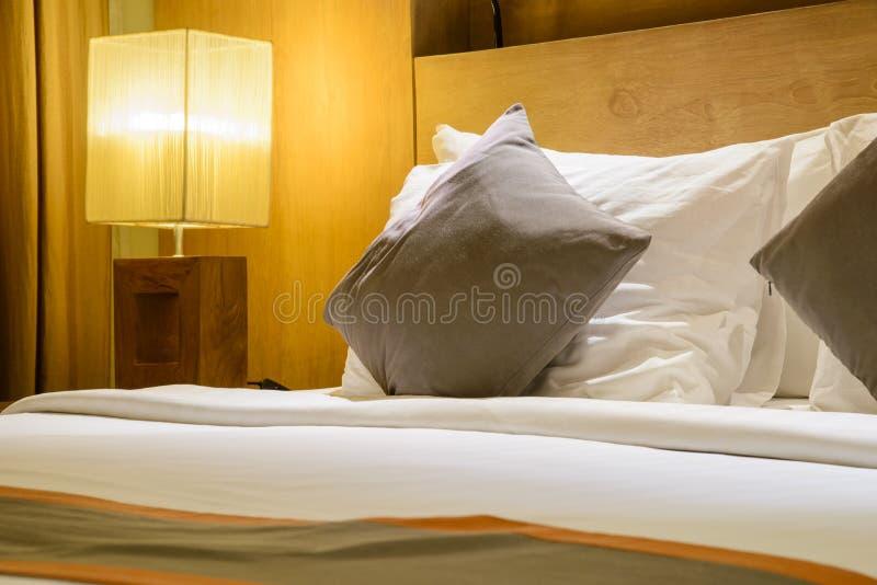 美丽的卧室,现代卧室 免版税库存图片