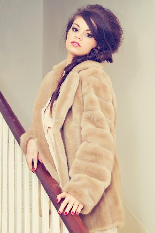 美丽的台阶妇女 图库摄影