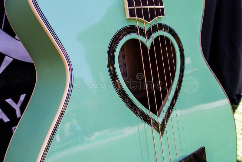 美丽的吉他 免版税库存照片