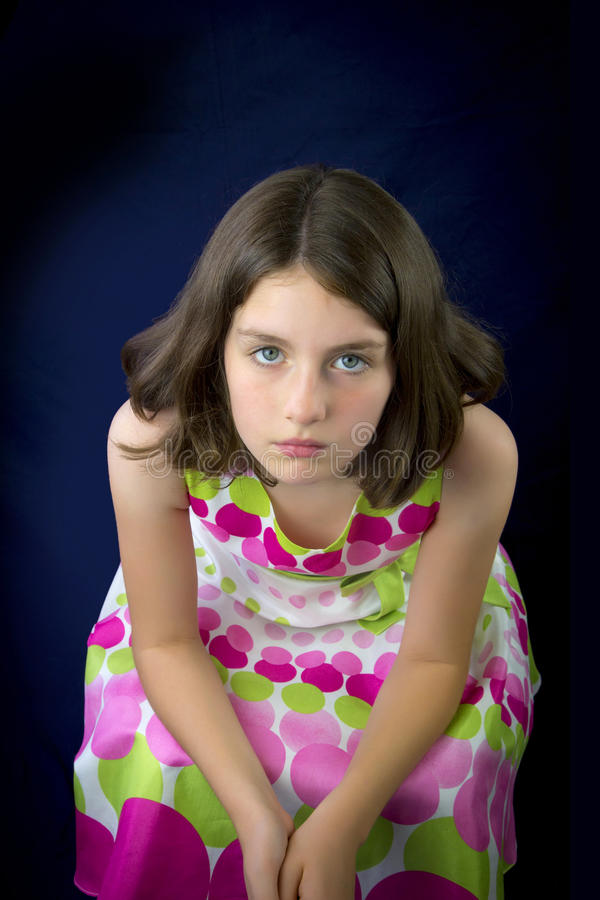 美丽的哀伤的小女孩画象  免版税库存照片