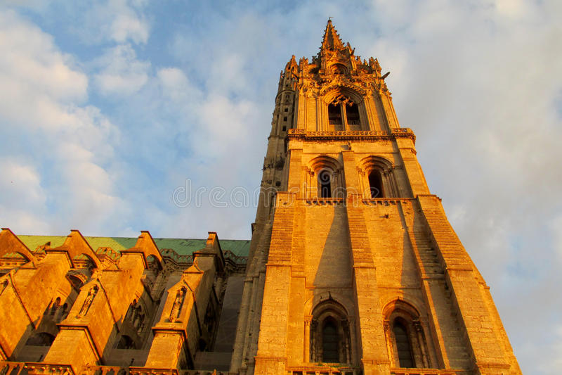 美丽的哥特式大教堂在沙特尔,法国 免版税库存照片