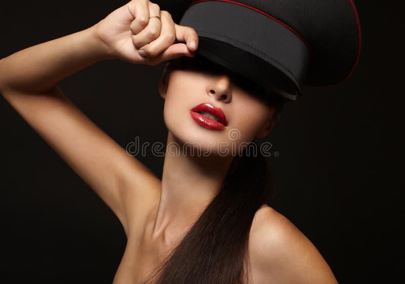 美丽的嘴唇纵向红色妇女年轻人 库存图片