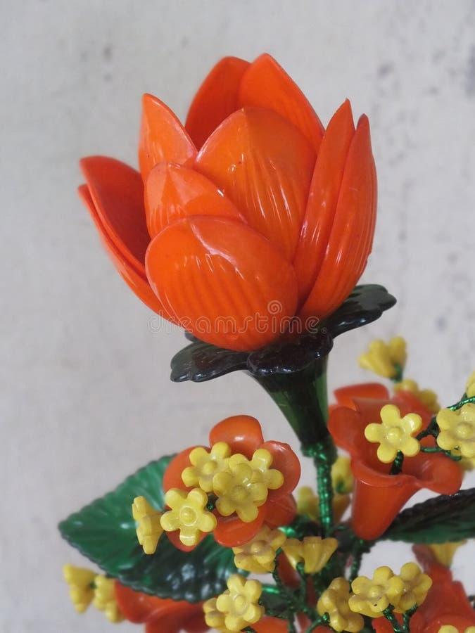 美丽的塑料玫瑰 免版税库存图片