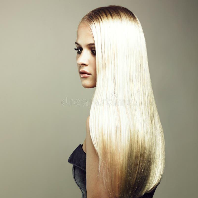 美丽的头发壮观的妇女 免版税库存照片