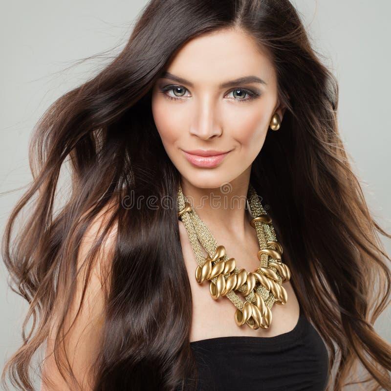 美丽的头发长的妇女 图库摄影