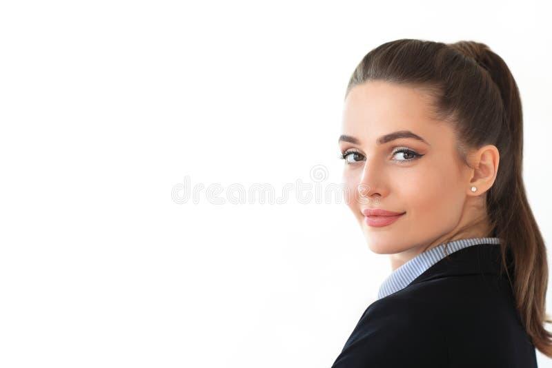 年轻美丽的女商人画象白色背景的 免版税库存图片