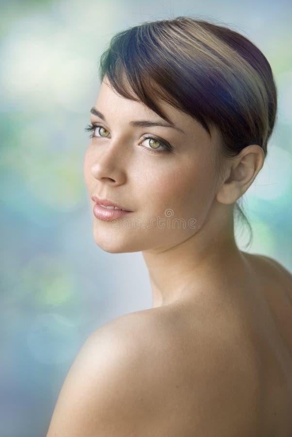 美丽的女孩年轻人 免版税库存照片