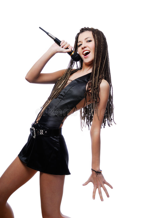 美丽的女孩歌唱家 免版税库存照片