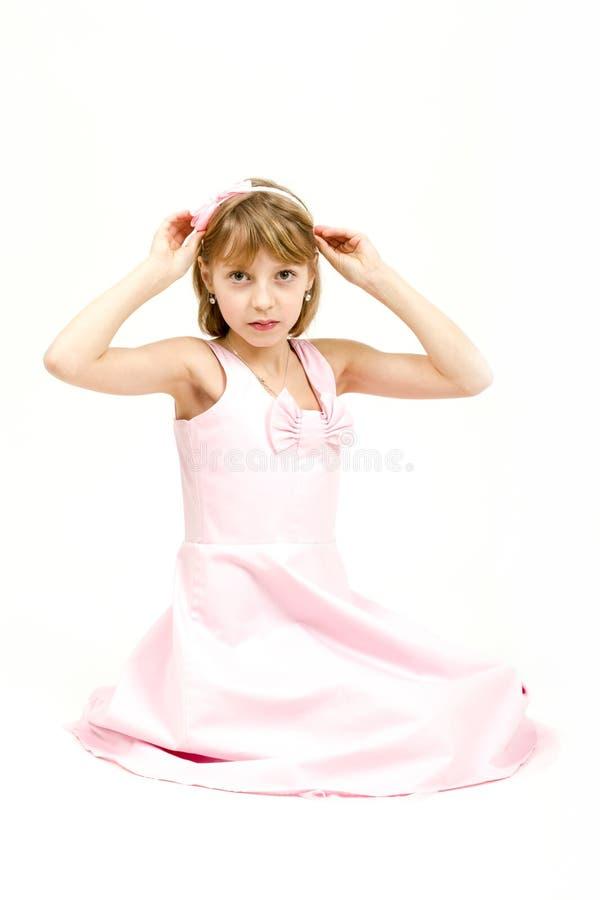年轻美丽的女孩演播室画象  库存照片