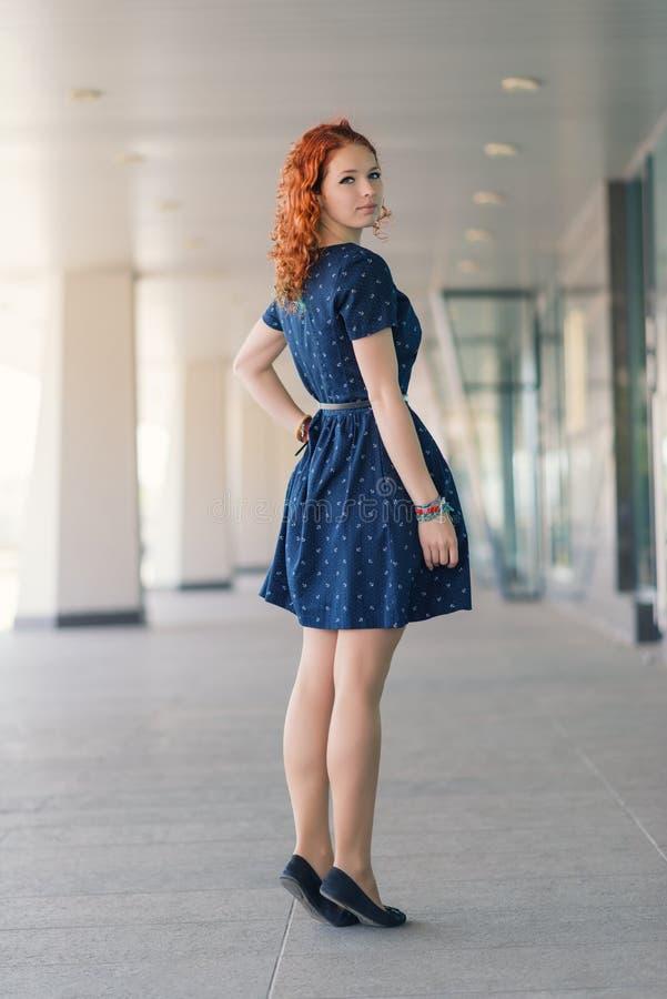 美丽的女孩红头发人 图库摄影