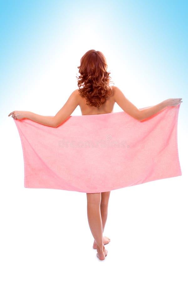 美丽的女孩阵雨毛巾年轻人 库存图片