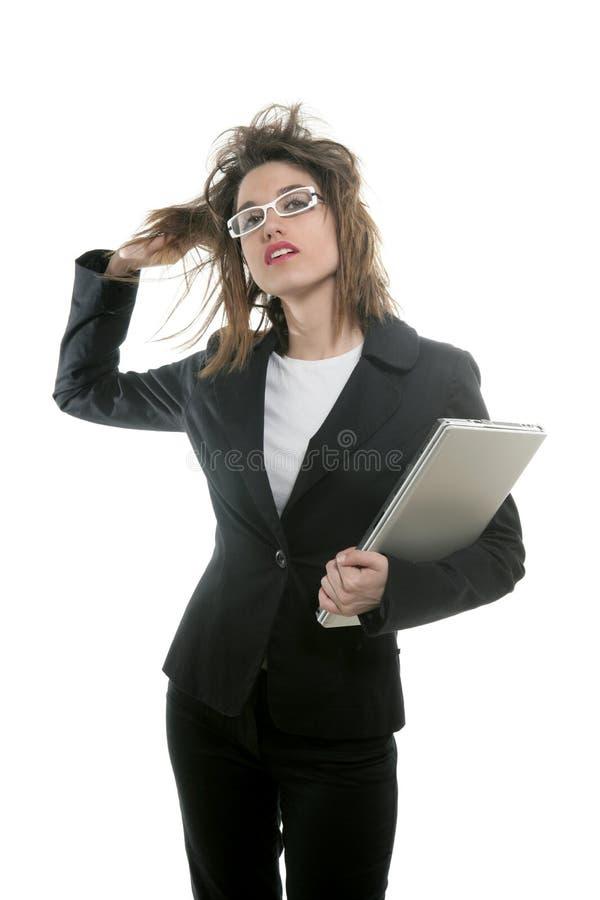 美丽的女实业家玻璃膝上型计算机 免版税图库摄影