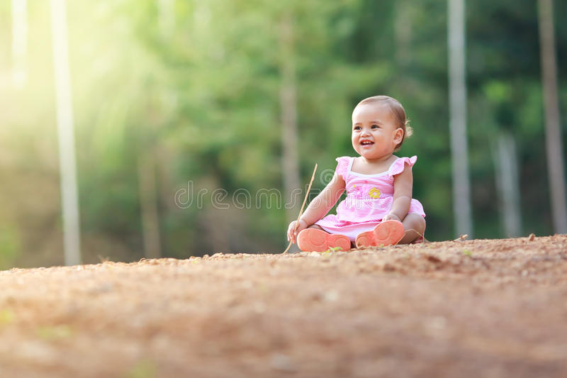 美丽的女婴纵向 免版税库存图片