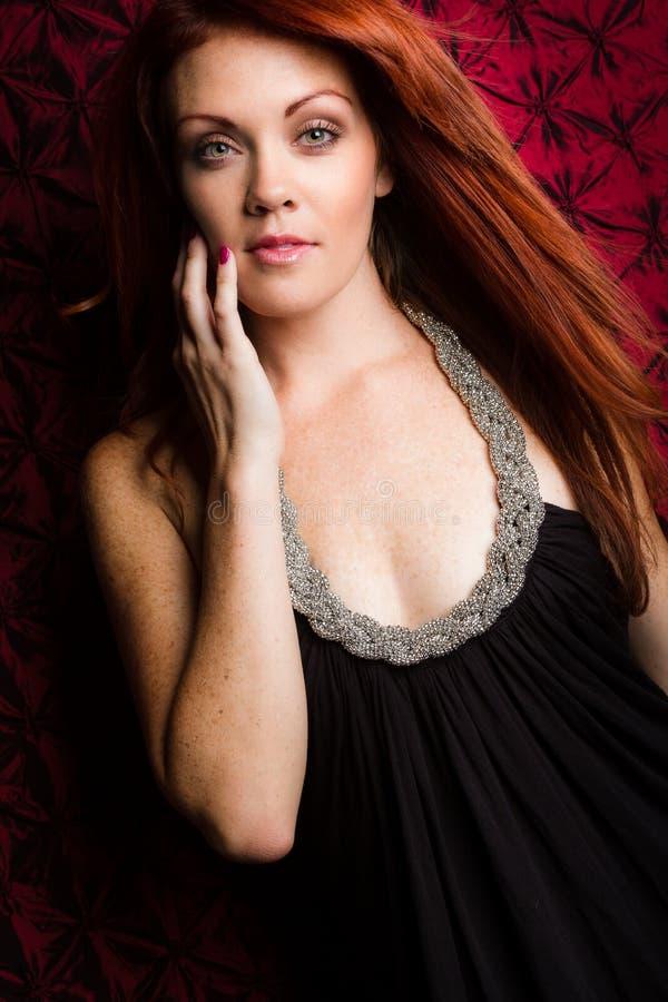 美丽的妇女红头发人 免版税图库摄影