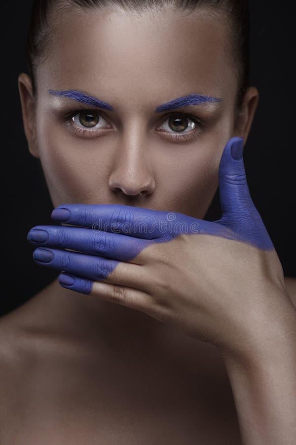 美丽的妇女画象有创造性的构成的 免版税库存图片