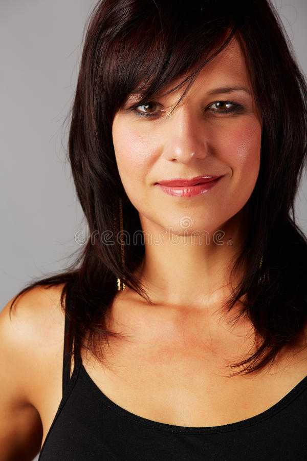 Download 美丽的妇女 库存图片. 图片 包括有 偶然, brunhilda, 白种人, browne, 夫人, 成人 - 30332911