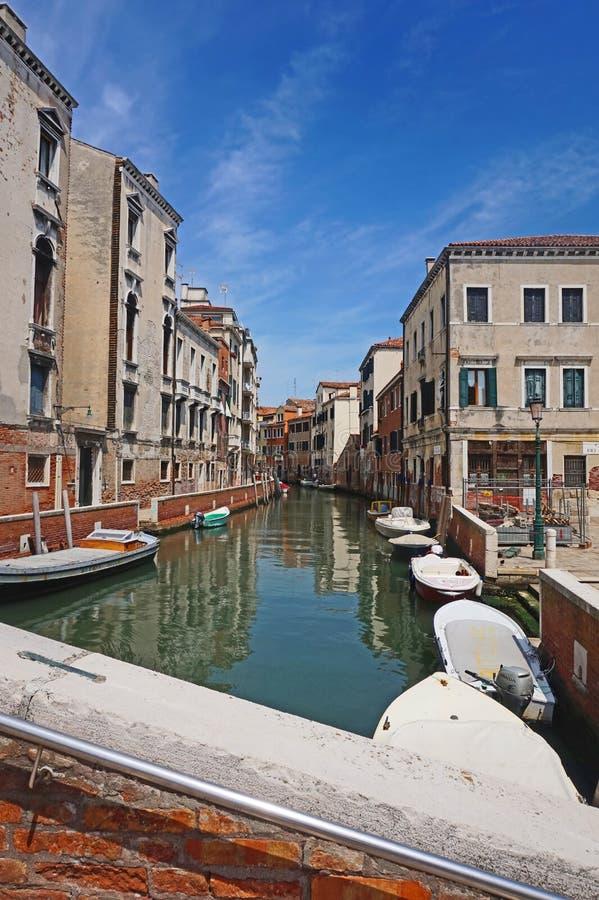 美丽的威尼斯式运河街道-威尼斯,意大利 图库摄影