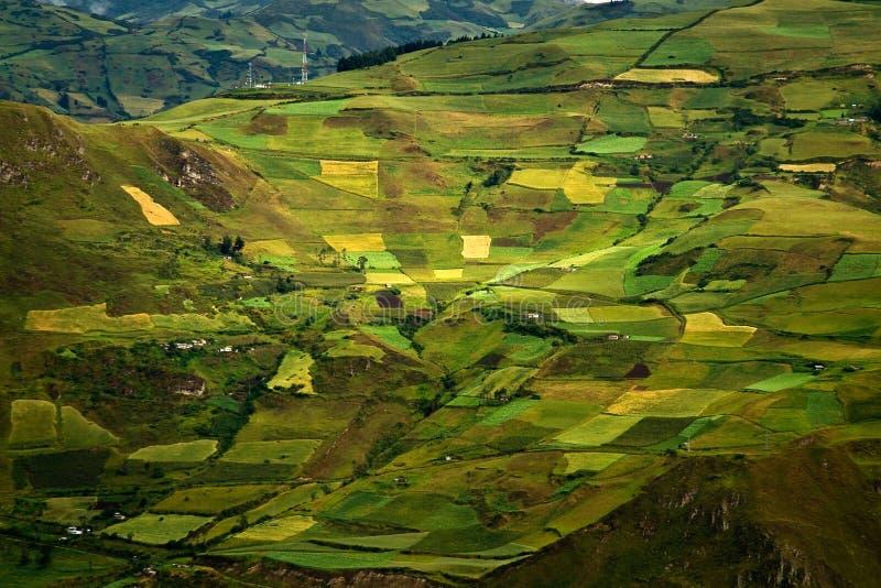 美丽的安地斯山的市Cañar在Azogues厄瓜多尔 免版税库存图片
