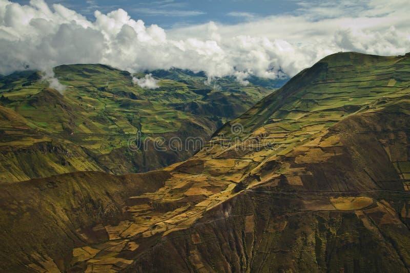 美丽的安地斯山的市Cañar在Azogues厄瓜多尔 免版税图库摄影