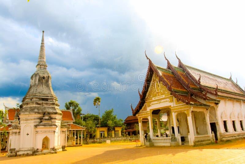 美丽的寺庙在南泰国 免版税库存照片