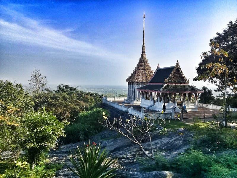 美丽的寺庙在素攀武里 免版税图库摄影