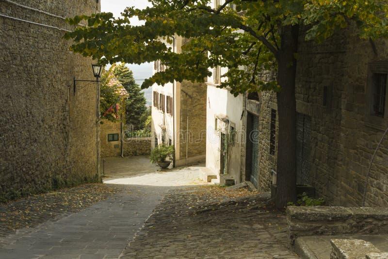美丽的小镇在托斯卡纳,意大利 库存图片