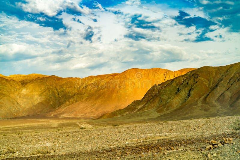 美丽的山的看法 免版税库存照片